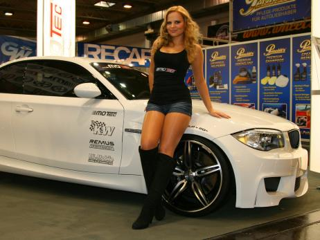 BMW-1er-M-Coupé-Girls-Essen-Motor-Show-2011-022.jpg